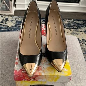 Chinese laundry gold toe black leather heel